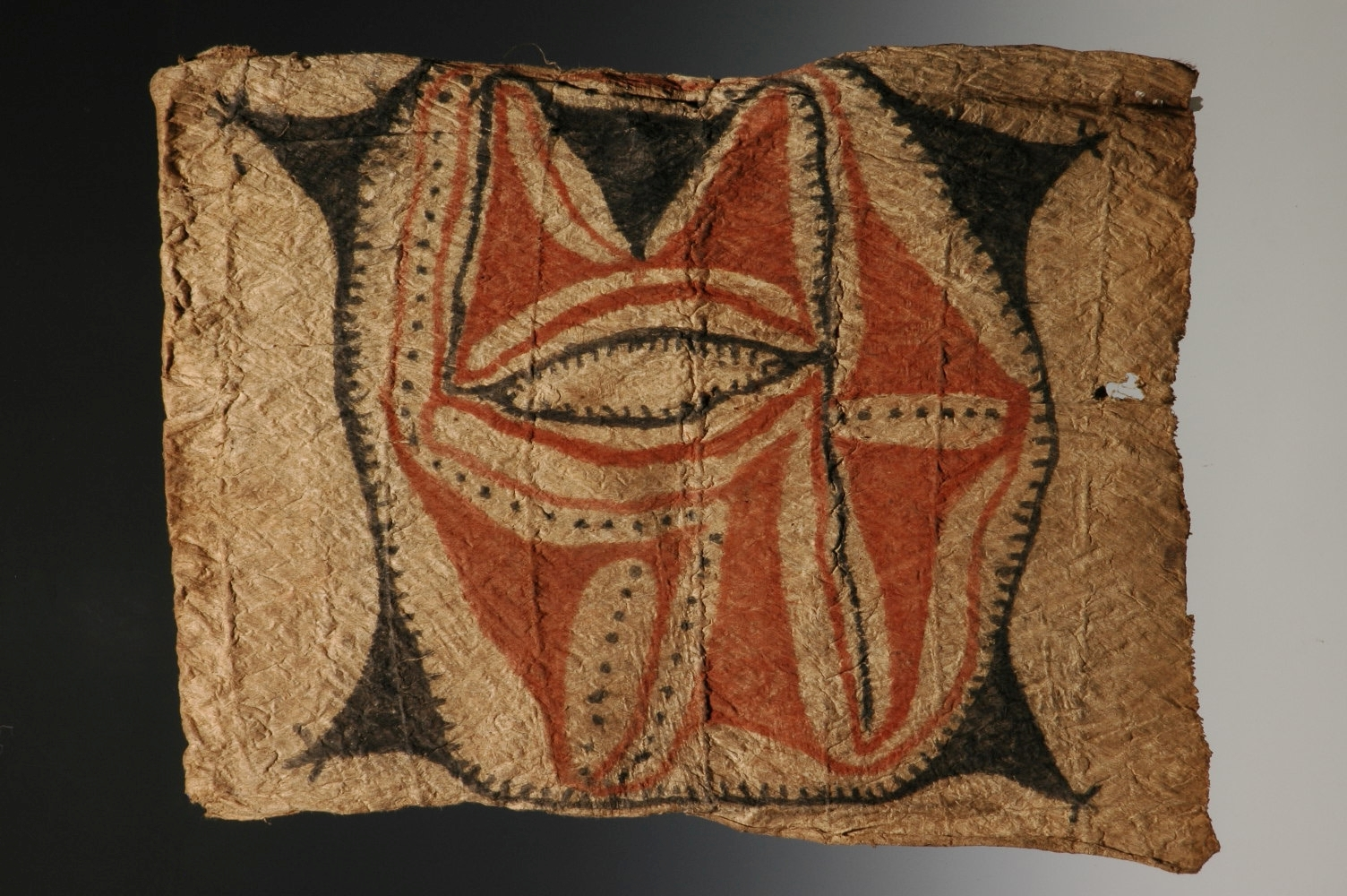 Man's tapa apron, Finisterre Mountains, Madang, Morobe Province, Papua New Guinea, mid 20th C., 62 x 52cm. Clive Loveless , London