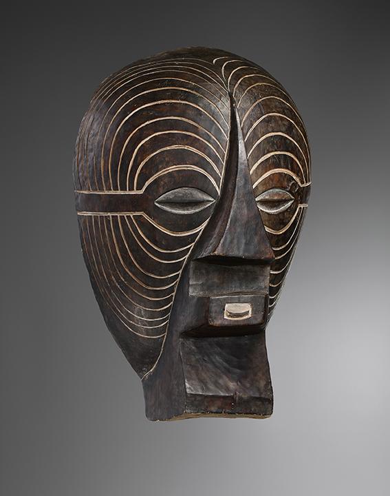 Luba Kifwebe Mask, D. R. Congo, circa 1920. Kevin Conru at  MATA New York