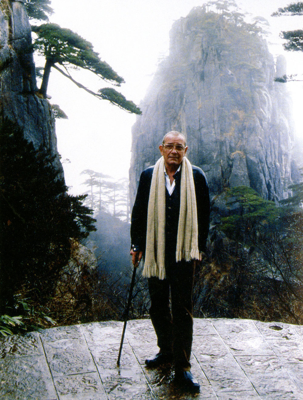 Robert Hatfield Ellsworth, in Anhui Province, China, 1995