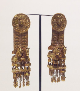 Gold earrings, circa 3rd century BC, Archaeological Treasury, Simon Janashia Museum of Georgia, Tbilisi