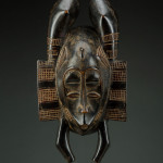 Berz Gallery of African Art, Mask, Senufo, Ivory Coast, Early twentieth century, Wood stain, H. 31 cm, © Berz Gallery of African Art
