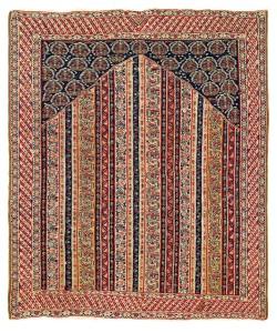 Sehna Kilim. Lot 206 . North West Persia, Kurdistan. 155 x 131 cm. First half 19th century. Estimate €6,000.00 - 8,000