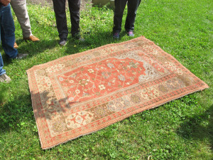 A Tuduc single-niche Transylvanian-style rug seen at the owner's home