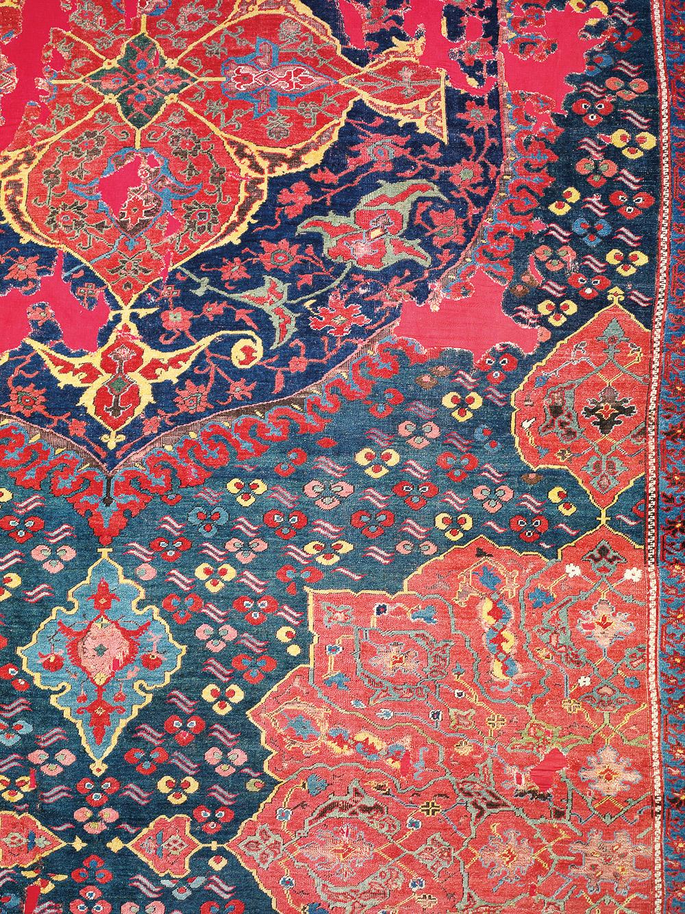 Large-medallion Ushak carpet