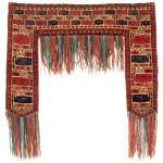Lot 124. Tekke Turkmen Kapunuk , Central Asia, West Turkestan,  Ca. 1800.  90 x 24 x 115 cm. Estimate €7,500.