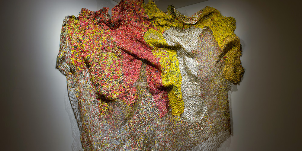El Anatsui, Rehearsal (detail), 2015. Aluminium and copper, 406 x 465 cm. Courtesy October Gallery, London. Photo Woo Kyung Lee.