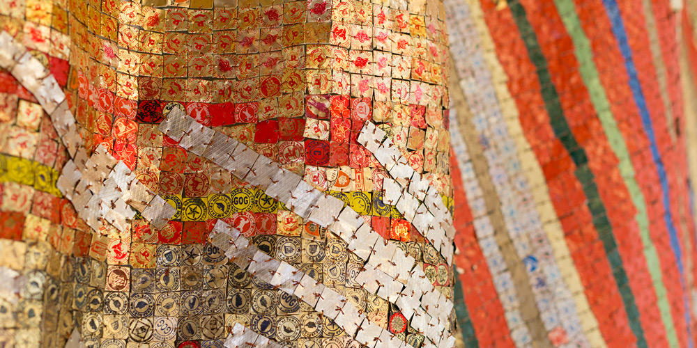 El Anatsui, Change in Fortune (detail), 2018. Aluminium and copper, 294 x 290 cm. Courtesy October Gallery, London. Photo Jonathan Greet.