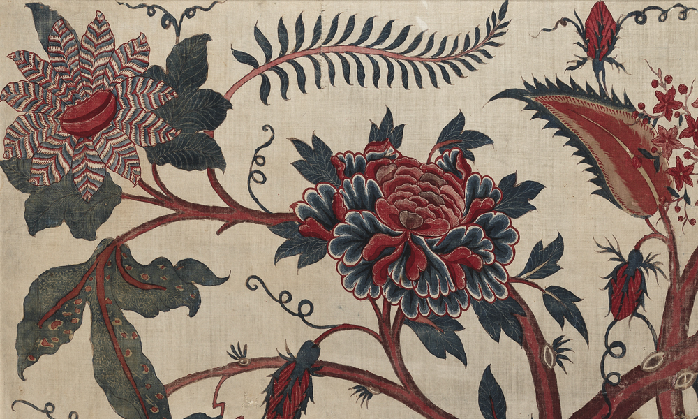 Fragment of a chintz palampore (detail), late 17th or early 18th century, India, Coromandel Coast, made for the European market. Cotton (plain weave), hand-painted mordant-dyed and resist-dyed, and with hand-applied dyes, 1.19 x 0.75 m. Collection of Banoo and Jeevak Parpia.